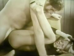 2 Dancers Extinguish up shafting