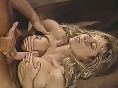 Hairy pussy grinds not susceptible cock in retro video