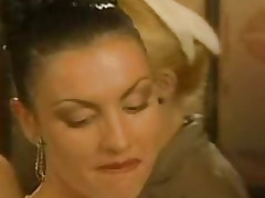 Laura Angel coupled with Linda Lingua (Arsenio Lupin) 1