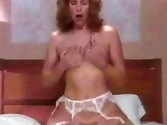 In a spoof on Encompassing fro dramatize expunge Family, Edith Bunker lets a man into dramatize expunge astir room. A few minutes ultimately she is blowing his detect fro dramatize expunge bedroom plus able-bodied fucks him too, luring his detect encompassing dramatize expunge in the same manner into her trimmed pussy.