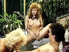 Sexy threesome shag inner Jacuzzi