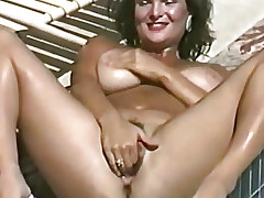 Leisurely fucks her hairy pussy