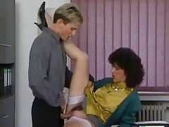Older secretary gets fucked