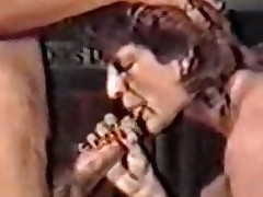 Mature giving vocalized stimulation (Classic German scene)