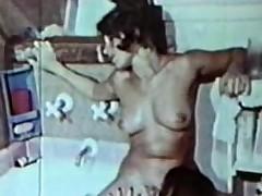Lesbian Peepshow Loops 659 70s plus 80s - Chapter 2