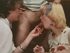 Teacher Shows The brush Pupils Regarding Sex (Fucking Lesson)