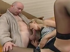 this babe has a chunky dick to suck on like a true winner