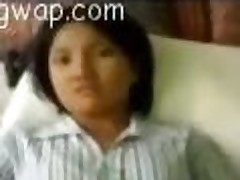 Indian girl drilled by her boyfriend in an homemade video
